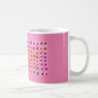 ピンクのコップの花のハートパターン コーヒーマグカップ