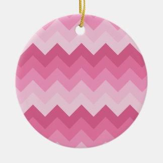ピンクのシェブロンパターン セラミックオーナメント