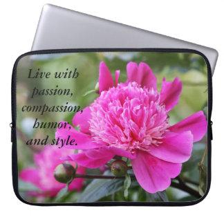 ピンクのシャクヤクの花は住んでいますと…. ラップトップスリーブ