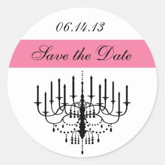 ピンクのシャンデリアの保存日付のステッカー ラウンドシール