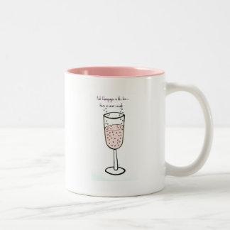ピンクのシャンペンはジルによって愛のよう…です ツートーンマグカップ