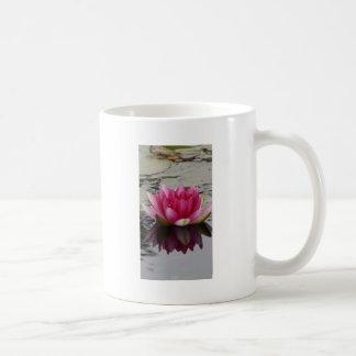 ピンクのスイレンの写真のマグ コーヒーマグカップ
