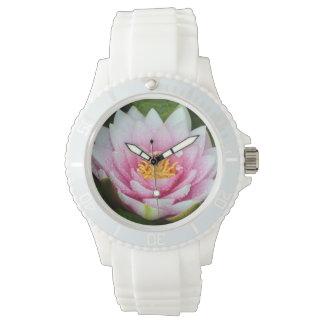 ピンクのスイレンの花柄 腕時計