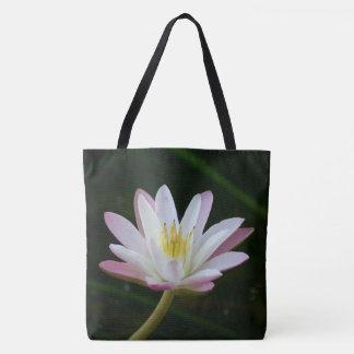 ピンクのスイレンの花、大きい写真 トートバッグ
