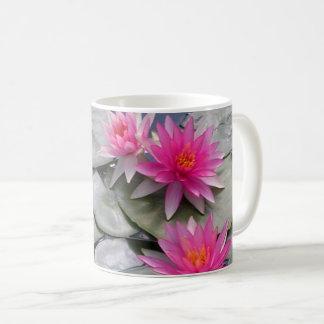 ピンクのスイレン コーヒーマグカップ
