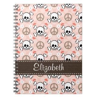 ピンクのスカルの螺線形ノートジャーナル ノートブック