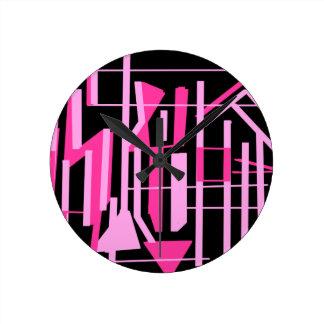 ピンクのストライブ柄およびラインデザイン ラウンド壁時計