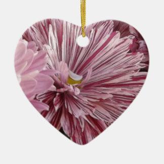 ピンクのストライプのな花 セラミックオーナメント