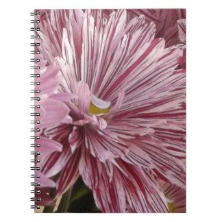 ピンクのストライプのな花 ノートブック