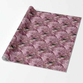 ピンクのストライプのな花 ラッピングペーパー