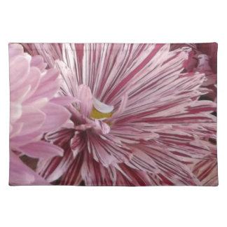 ピンクのストライプのな花 ランチョンマット