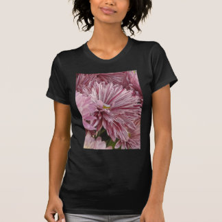 ピンクのストライプのな花 Tシャツ