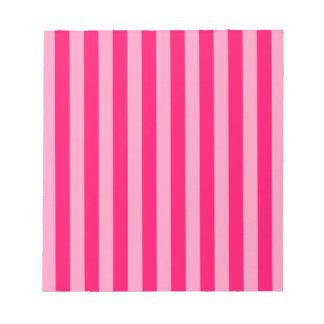 ピンクのストライプの背景 ノートパッド