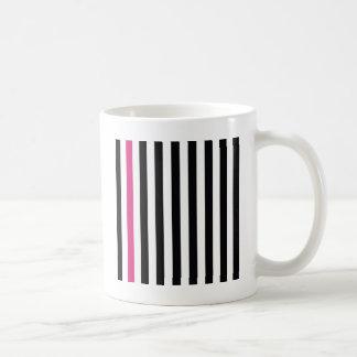 ピンクのストライプを使って コーヒーマグカップ