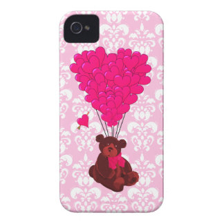ピンクのダマスク織のくま及びハートの気球 Case-Mate iPhone 4 ケース