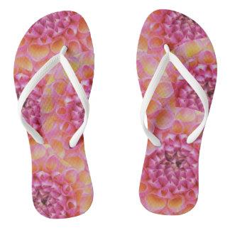 ピンクのダリアのデザインのビーチサンダル ビーチサンダル