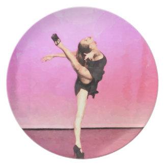 ピンクのダンサーの芸術のプレート プレート