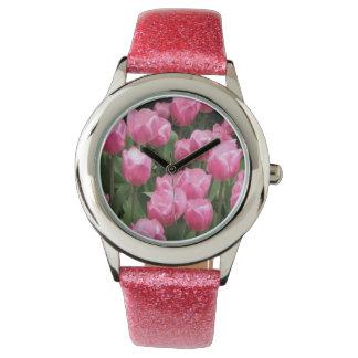 ピンクのチューリップのグリッターの腕時計 腕時計