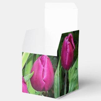 ピンクのチューリップの好意箱 フェイバーボックス