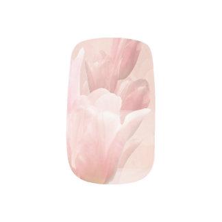 ピンクのチューリップ ネイルアート