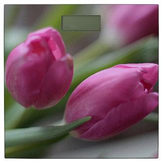 ピンクのチューリップ 体重計