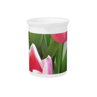 ピンクのチューリップ、花の春の花束、花 ピッチャー