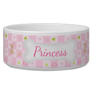 ピンクのチワワでかわいらしい