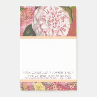 ピンクのツバキの花屋または花屋のヴィンテージ ポストイット