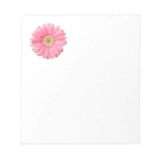 ピンクのデイジーの独身のな花の白い背景P32 ノートパッド