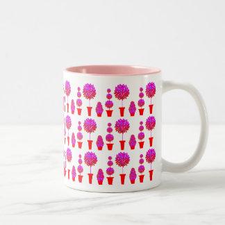 ピンクのデイジーの装飾刈り込み法 ツートーンマグカップ