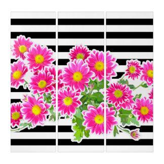 ピンクのデイジー、星状体の花束、ストライプな幅の白 トリプティカ