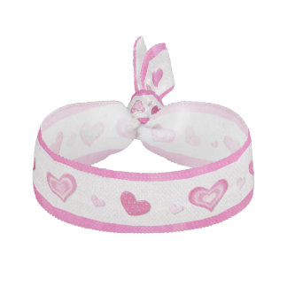 ピンクのハートはプレティーンのバレンタインを宝石で飾りました ヘアタイ