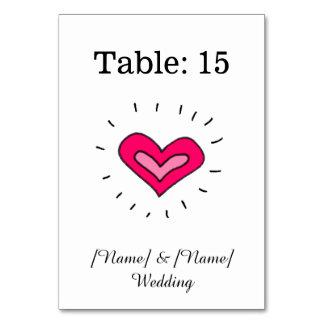 ピンクのハート-テーブルはカードに番号を付けます カード