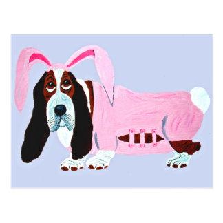 ピンクのバニーのスーツのバセットハウンド ポストカード