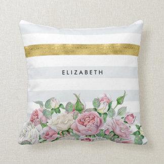 ピンクのバラおよび名前のエレガントで模造のな金ゴールドのストライプ クッション