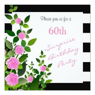 ピンクのバラが付いているかわいらしい白黒ストライプ カード