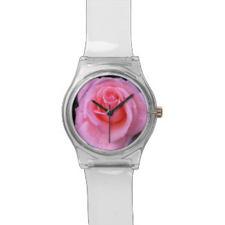 ピンクのバラのフラワーパワーの腕時計 腕時計