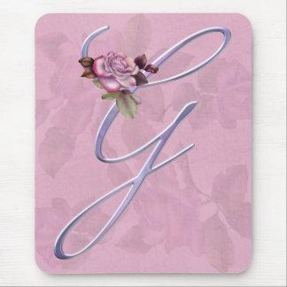 ピンクのバラのモノグラムG マウスパッド