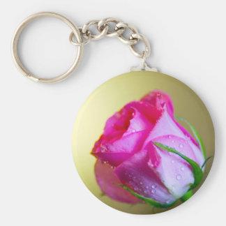 ピンクのバラの自然の雨低下のキス キーホルダー