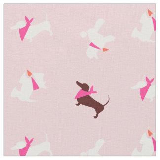 ピンクのバラの芽の犬 ファブリック
