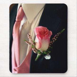 ピンクのバラの黒のタキシードのタキシードのmousepadの大きさの割引 マウスパッド