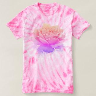 ピンクのバラ、クールな花 Tシャツ