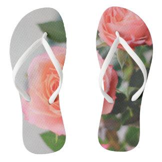 ピンクのバラ ビーチサンダル