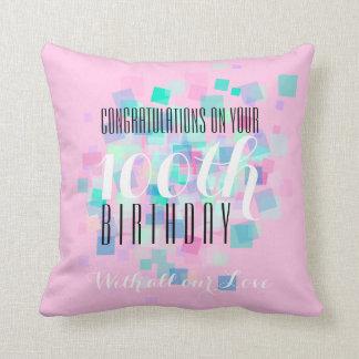 ピンクのパステルカラーの100th誕生日のカスタムの枕 クッション