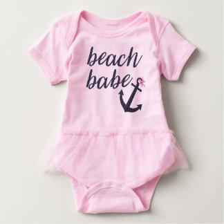 ピンクのビーチの可愛い人-女の赤ちゃんのチュチュの用品類 ベビーボディスーツ