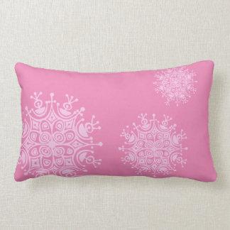 ピンクのピンクの雪片 ランバークッション