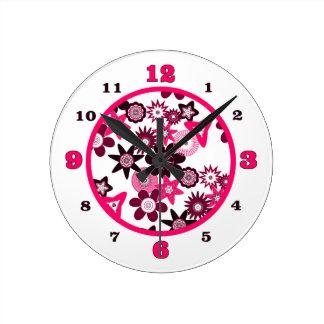 ピンクのファンキーな花 ラウンド壁時計