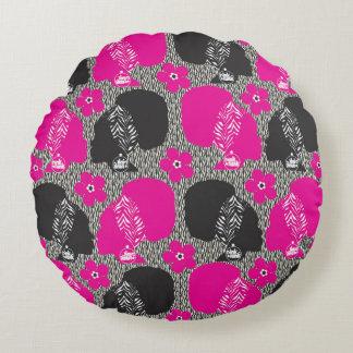 ピンクのファンクのアフリカのパフのひよこの枕 ラウンドクッション