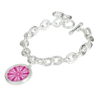 ピンクのフラクタルパターン チャームブレスレット