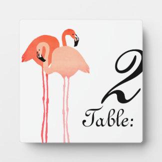 ピンクのフラミンゴのビーチ結婚式のテーブル数 フォトプラーク